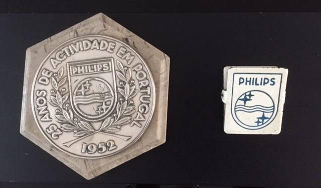 Silver plaque of Philips issued for the 25 years of activities in Portugal