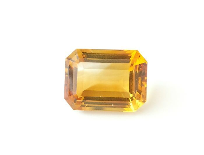 Citrine 24.47 ct - AIG certified