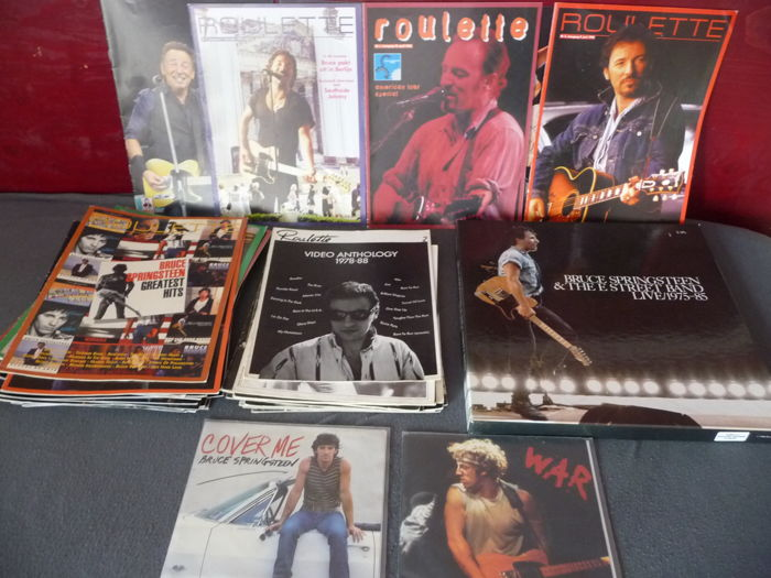 Bruce Springsteen – 36 Dutch fanclub only  magazines – 1 famous 5 LP box set and two singles – great lot