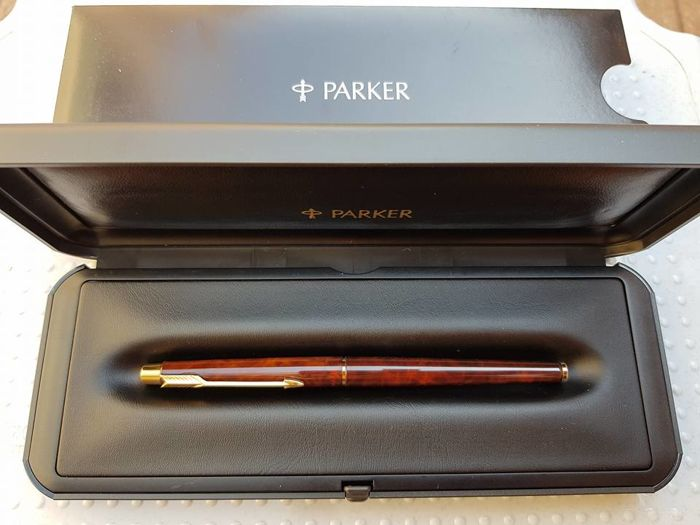 Parker 180, 585 (14 kt) gold nib, double face Fine, brown tortoiseshell lacquered pen with gold plated finishes MINT!!