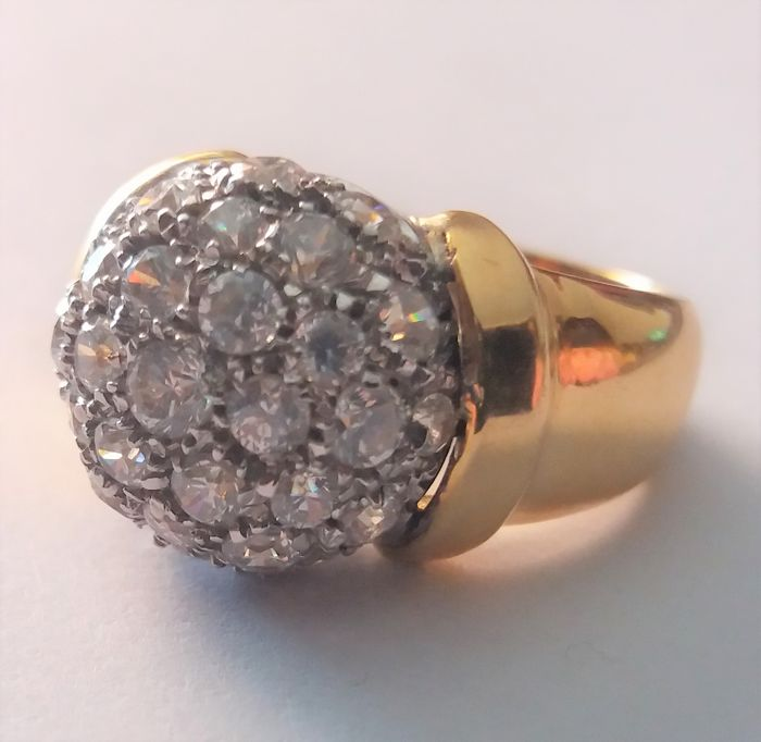 Ring made in Italy, unique item in 18 kt gold with diamonds, 0.55 ct
