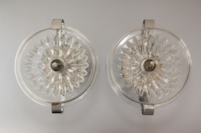 Unknown designer - Large pair of sconces in chromed steel and glass