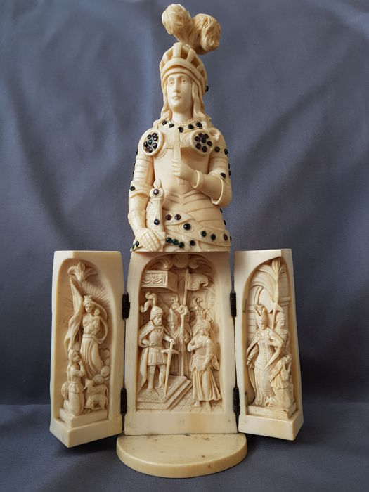 """Ivory Triptych of  """"Jeanne d'Arc"""" - France, Dieppe - 19th century"""