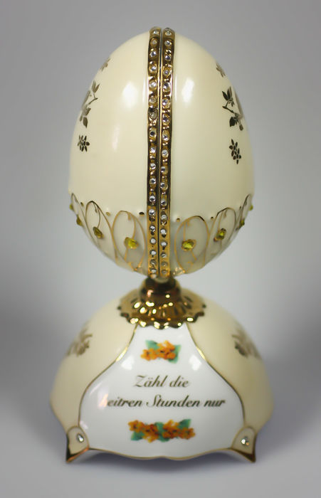 Silver-plated crystal porcelain egg with music box - music box