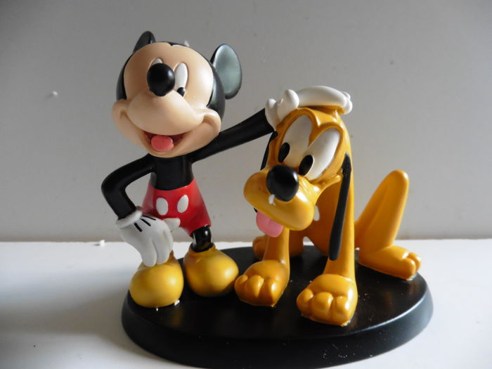 Disney - Figurine - Mickey Petting Pluto (2008)