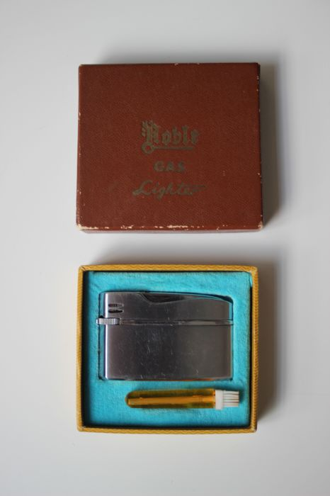 Roble gas lighter