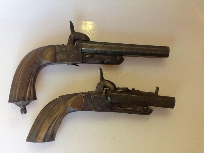 Set of Two Double-Barrelled Pistols Type Lefaucheux in Working Condition
