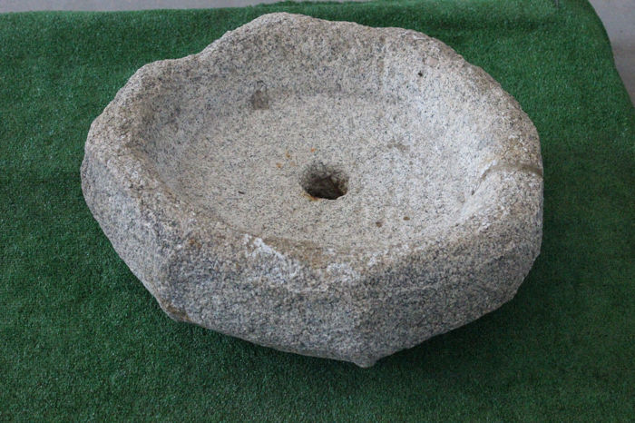 Antique octagon-shaped granite stone sink - Italy - 20th century