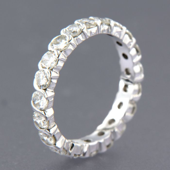 18 kt white gold eternity ring set with 20 brilliant cut diamonds of approx. 1.60 ct in in total, F/G SI - ring size 16 (50)