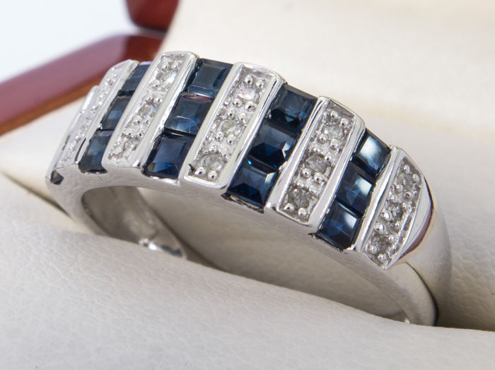 Diamonds & Sapphire - 14k gold ring - **No Reserveprice**