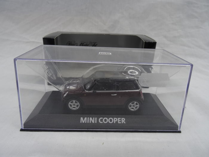 Minichamps 143 Mini Cooper Color Bordeaux With Black Roof