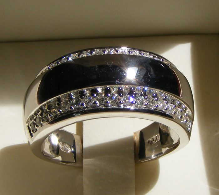 18 kt gold ring set with brilliant diamonds - Size 57/18.15 mm - No  Reserve Price