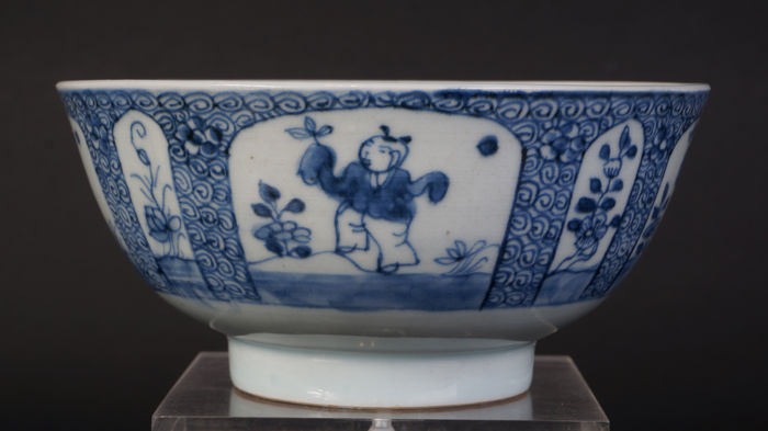 Blue and white bowl - China - ca. 1700 (Kangxi period)