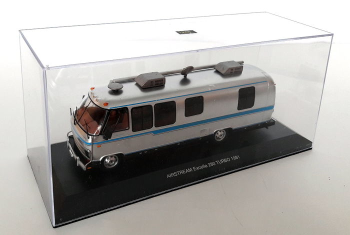 IXO - 1:43 - Airstream Excella  280 TURBO  - US Motorhome von 1981  Silbermetallic