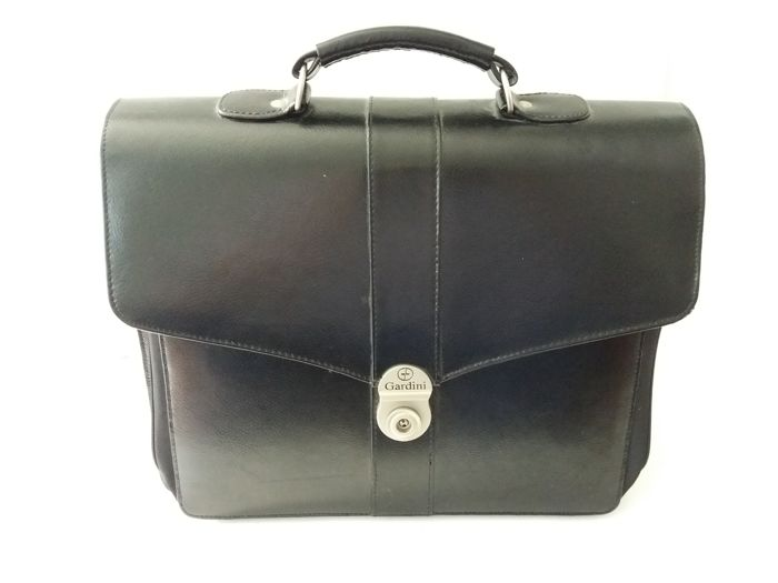 Beautiful black faux leather business briefcase - brand: Gardini