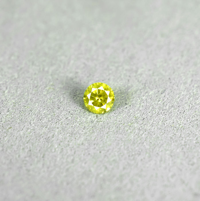 Intense Yellow Diamond - 0.19 ct, NO RESERVE PRICE