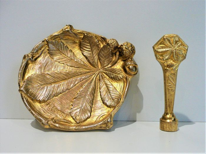 Art Nouveau sculpture in gilt bronze, wax stamp seal, bowl signed Frécourt