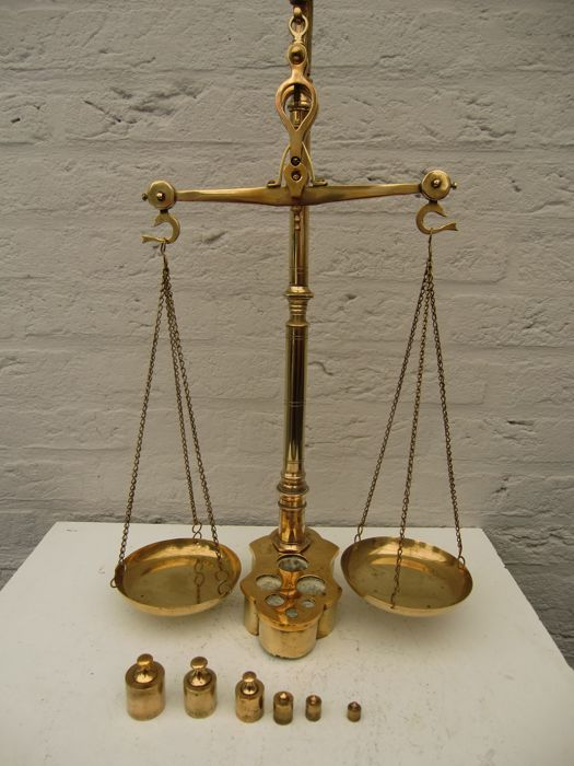 Beautiful copper balance scales with built-in weights. Second half of the previous century- origin the Netherlands