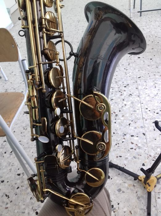 Tenor saxophone - Hernona, Italian brand from the 70s - just overhauled and registered - with a wonderful sound!