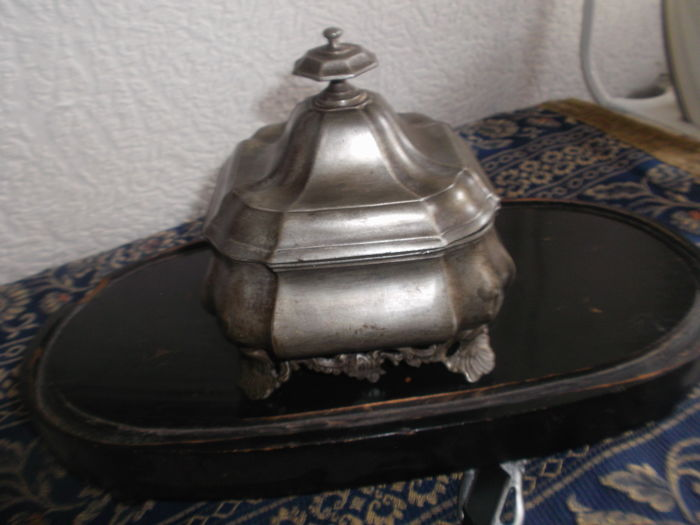 Pewter branded Louis-Quinze tobacco jar