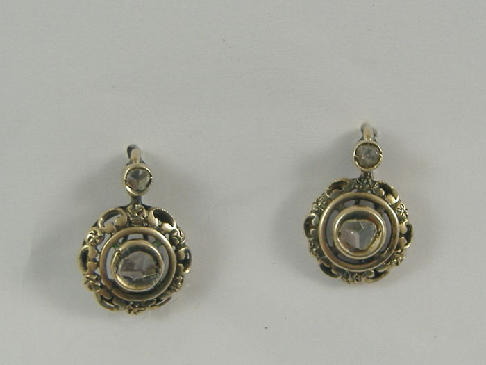 Earrings in 14 kt gold with diamonds, late 1800s