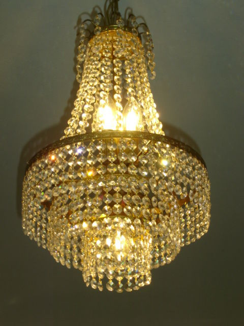 Very nice high quality vintage three-ring chandelier with 1000 crystals, octagons. 50/60s. France