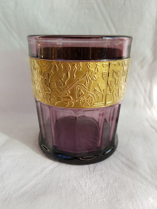 Walther - Amethyst-coloured whisky glass with gold-coloured decorative rim (1920)