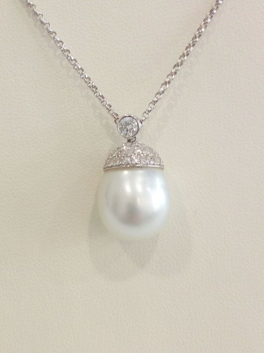 White gold necklace with pendant, South Sea pearl (12 x 15 mm) and diamonds - Size 41-44 cm
