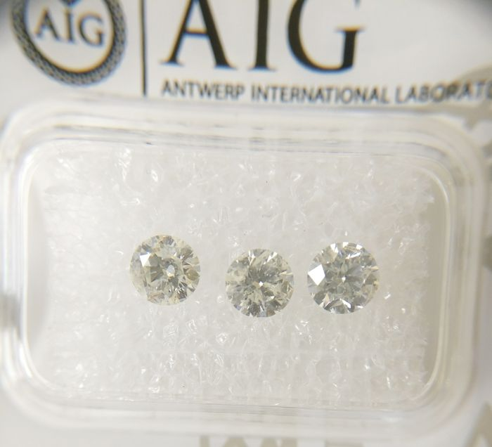 Triple of 3 Round cut diamonds total 0.97 ct G-H I1 *** No Reserve ***