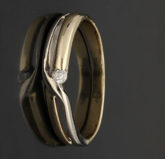 14 kt - Bi-colour fantasy ring set with brilliant cut diamond, approx. 0.01 ct - Ring size 16.5 mm.