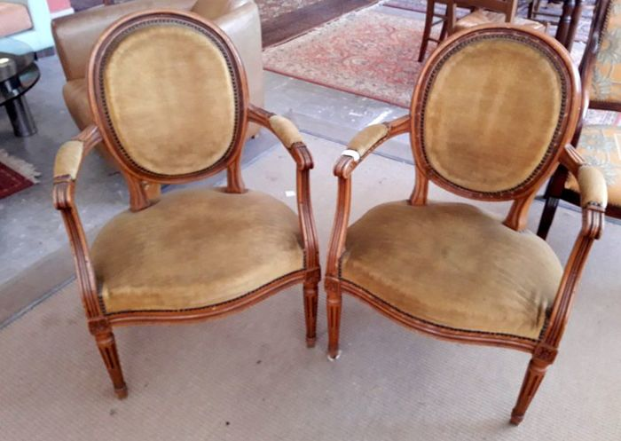 Pair of convertible armchairs in Louis Philippe style, in mahogany wood and velvet tissue - 19th century - France