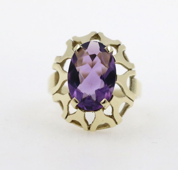 14 kt yellow gold women's ring with a 5.00 ct amethyst - ring size 50 EU - free resizing