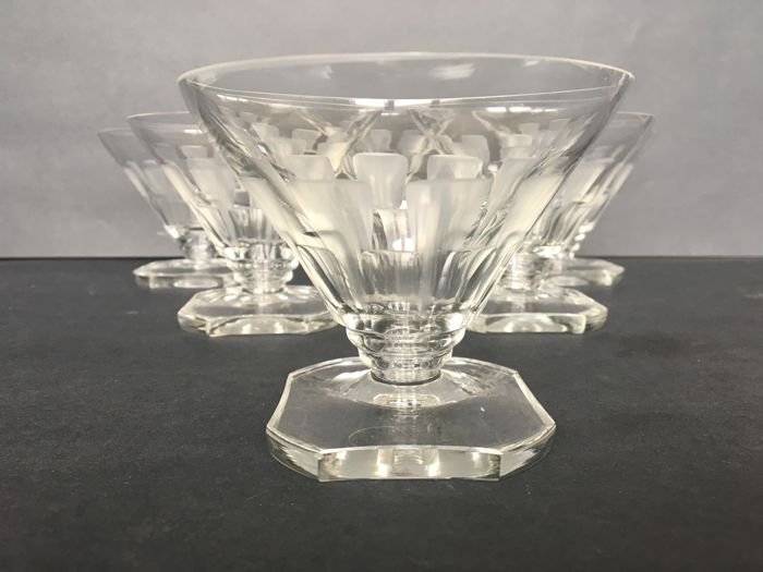 Set of 6 Art Deco champagne coupes