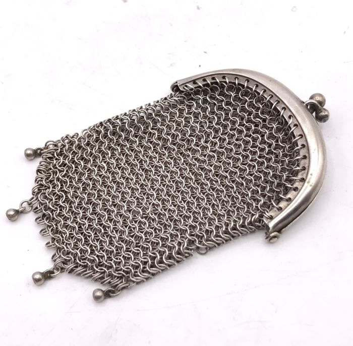 Handmade silver chainmail purse, marked with 800 and master mark, 19th century.