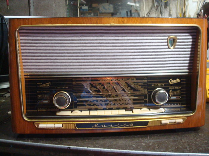 Graetz tube radio Musica 517K from 1957
