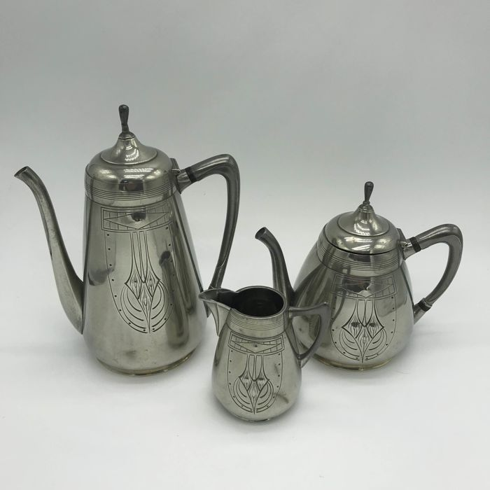 Gerhardi & Co - Art Nouveau pewter set - Coffee pot, Tea Pot & Cream jug