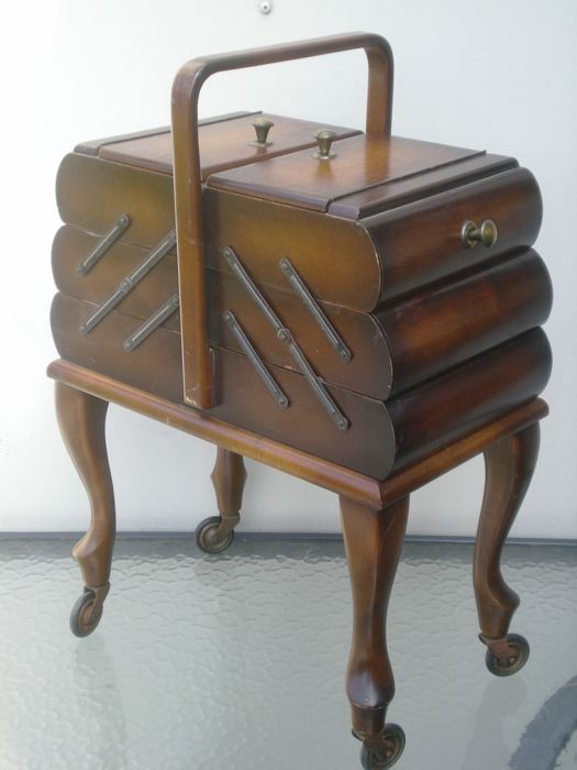 Wooden foldable sewing box, 20th century