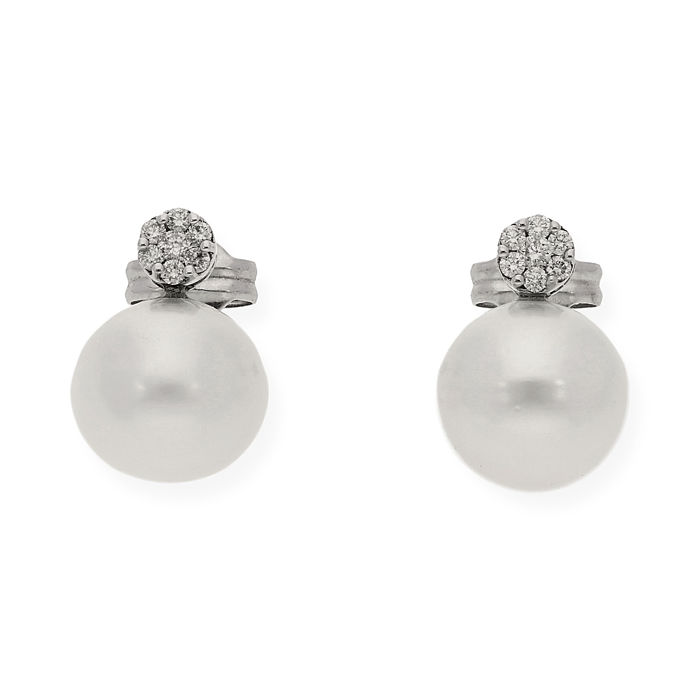 White gold 750/1000 (18 kt) - Earrings - Diamonds 0.25 ct - Pearl 10.70 mm (approx) - Maximum earring height: 14.90 mm (approx)