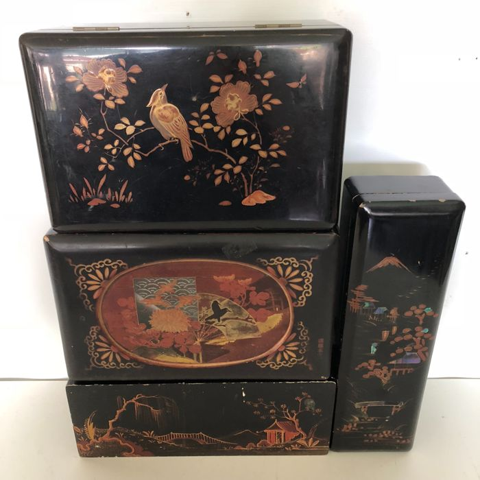 Four pieces of old wooden Japanese lacquer boxes with images of birds, plants, flowers and landscapes - Japan - mid 20th century