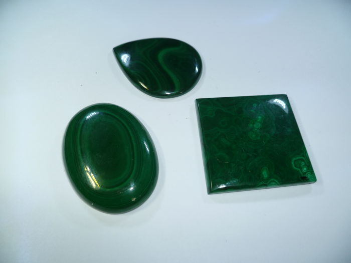 3 pieces of Malachite cabochons 100 g (3)