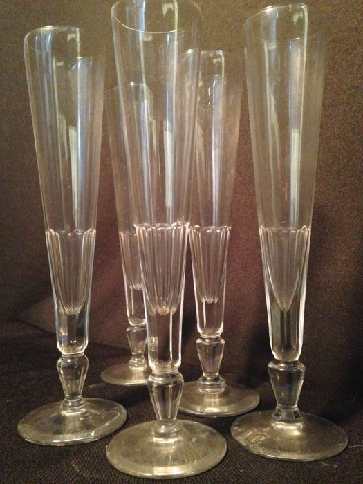 Extremely Tall and Elegant 5 Flute Crystal Set