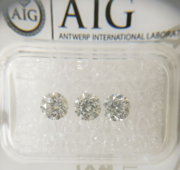 Triple of 3 Round cut diamonds total 1.22 ct F-G SI2-I1  *** No Reserve ***