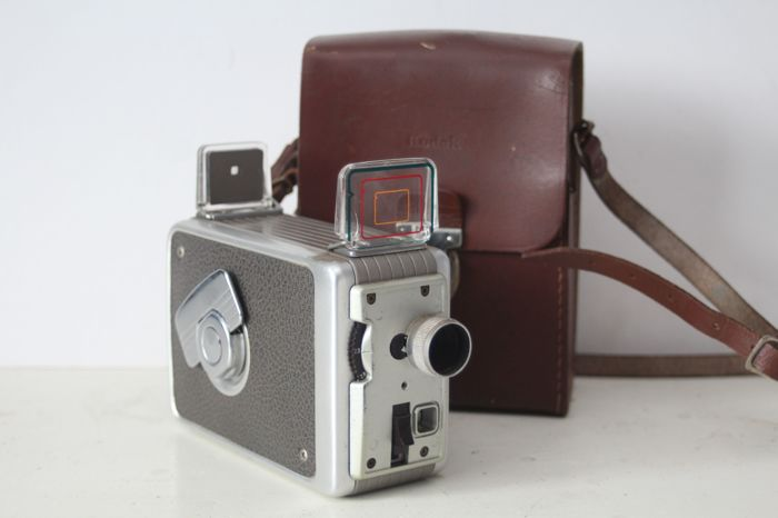 Vintage Kodak Brownie 8mm film Camera II with bag