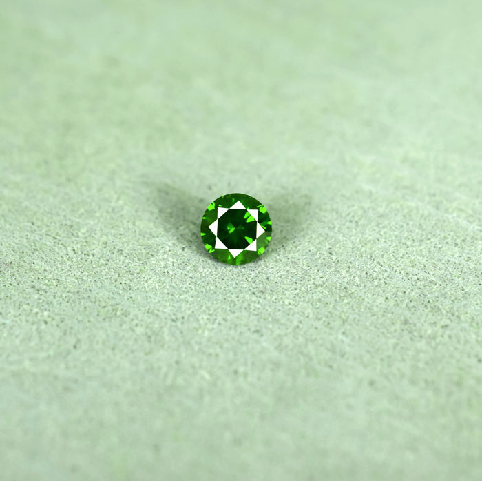 Intense Green Diamond - 0.26 ct, NO RESERVE PRICE