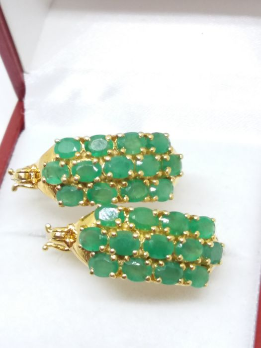 Emerald earrings. No reserve