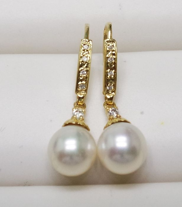 14KT Yellow Gold Earrings with 8 mm Saltwater Cultured Japanese Akoya Pearls & 0.129 cts Diamond - No reserve price -