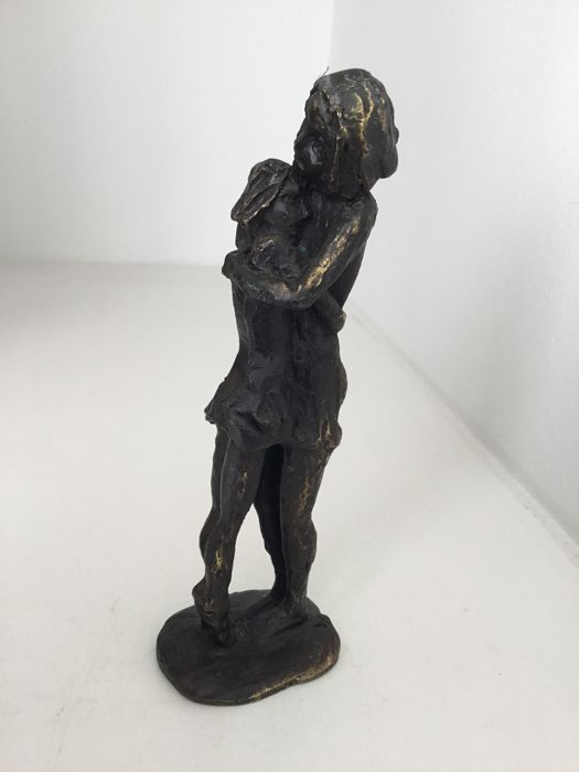 Astrid Veldhuyzen - bronze-plated sculpture, 'Moeder en kind'