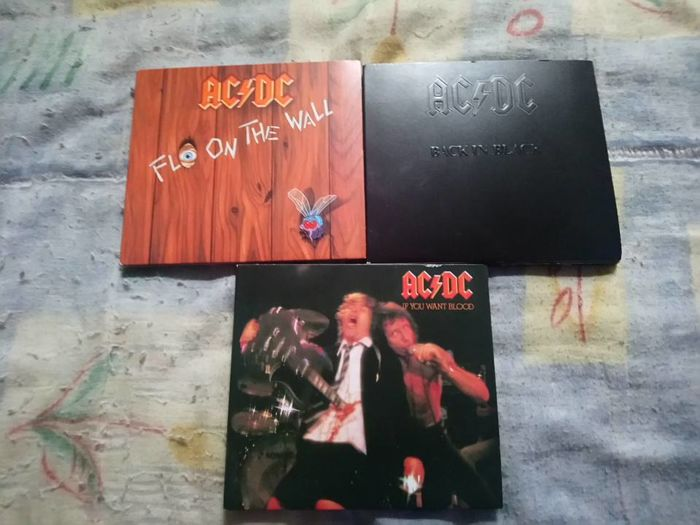 AC/DC : 11 CD albums of ac/dc in very good condition