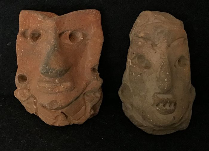 Pre-Columbian Earthenware Two Pre-Columbian pottery heads  - 6 and 7 cm  - (2)