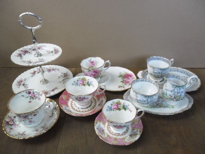 Royal Albert - 9 service parts, including a cake stand, a cream and sugar set and cups with an extra large saucer